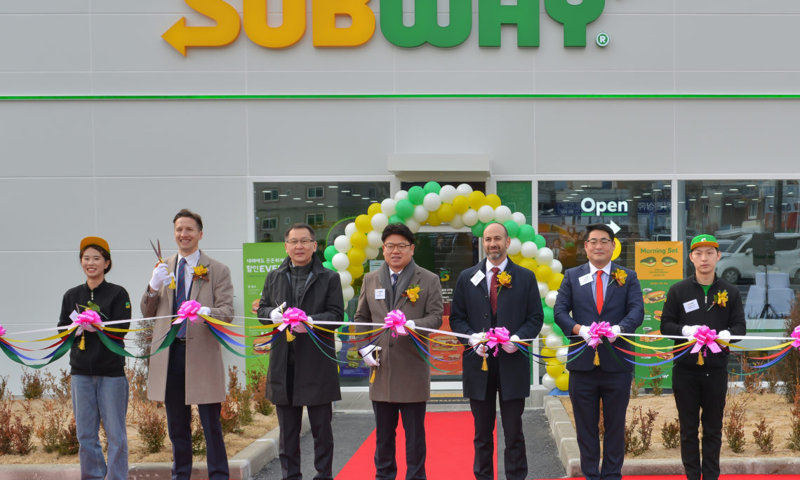 Celebrating the Opening of Subway Korea's First Drive-Thru