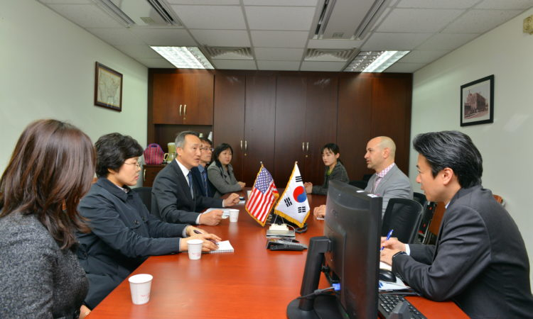 Consul Welcomes Pohang City Officials