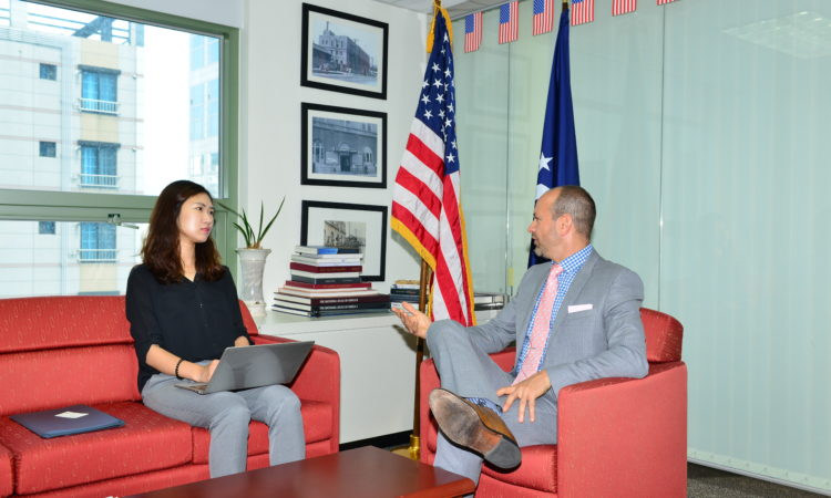 Consul Daniel Gedacht Interviews with Kookje Shinmun