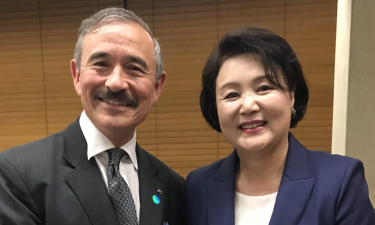Ambassador Harry Harris Meets First Lady Kim Jung-sook at Gwangju Biennale