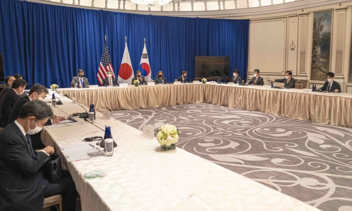 Secretary's Trilateral Meeting with Japanese Foreign Minister Motegi and ROK Foreign Minister Chung