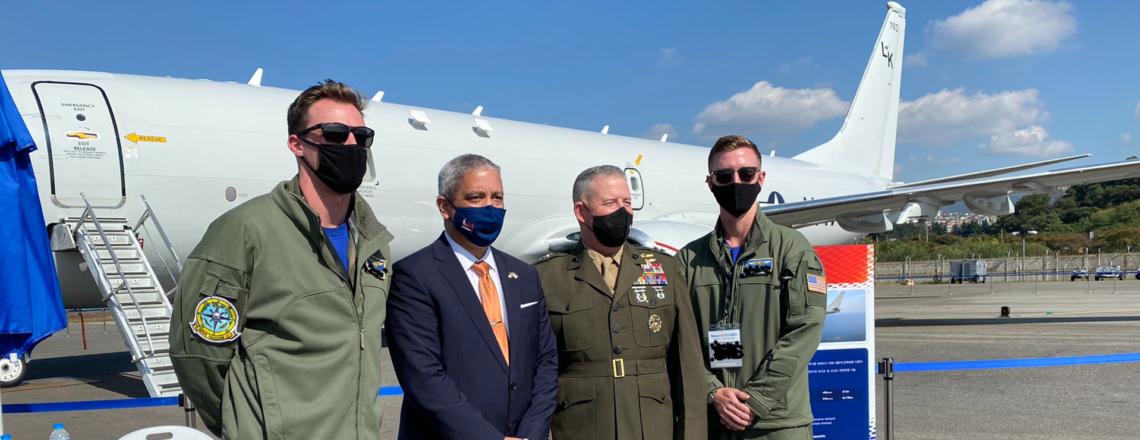 Chargé d'Affaires Del Corso Meets U.S. Air Crews at the Seoul ADEX 2021