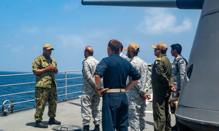 U.S. Naval Ship Conducts Passing Exercise with Pakistani, German Navies