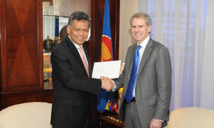 U.S. First Resident Ambassador to ASEAN Presents Credentials.