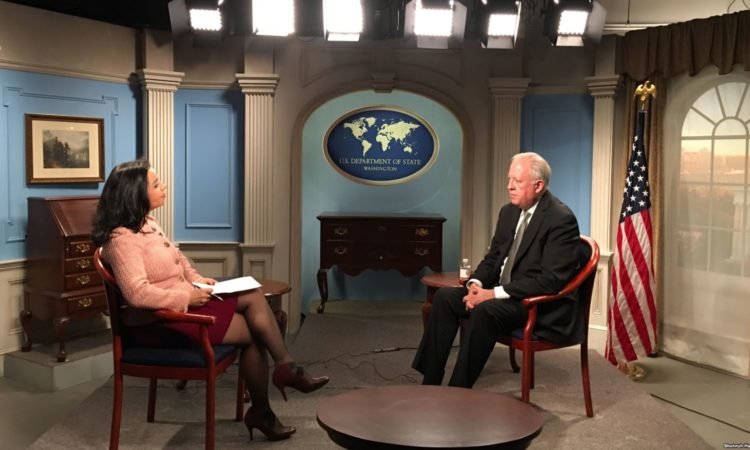 Under Secretary of State for Political Affairs Thomas Shannon talks to Navbahor Imamova, VOA Uzbek, April 13, 2018, Washington, D.C.