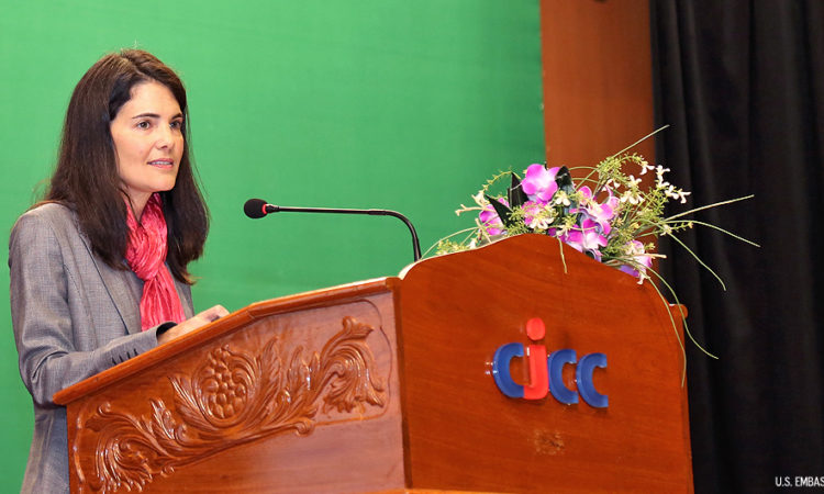 "Remarks by U.S. Ambassador to ASEAN Nina Hachigian on the ""U.S. Rebalance to Asia"" at the Royal University of Phnom Penh [Photo by Un Yarat]"