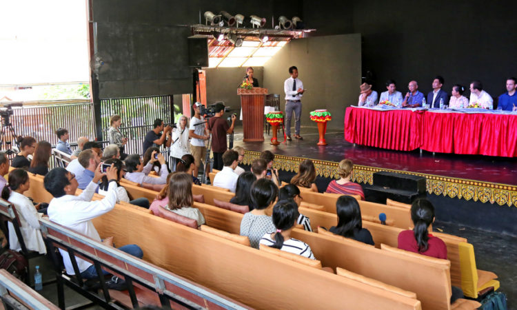 """A press conference was organized to announce a new symphonic work """"Bangsokol: A Requiem for Cambodia"""" by Cambodian filmmaker Rithy Panh and composer Him Sophy. [Photo: Un Yarat]"""