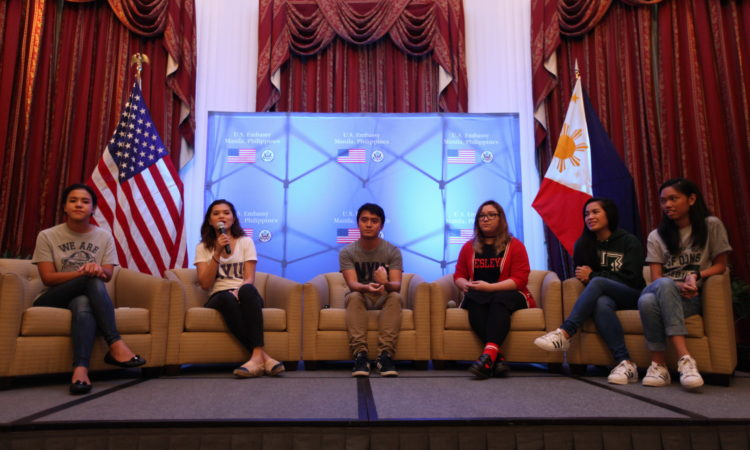 A number of students currently enrolled in different U.S. colleges and universities provide tips, share their experiences and answer questions from the audience.