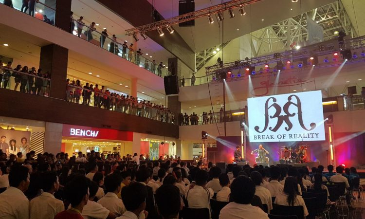 Break of Reality draws a large crowd at their free public concert at Glorietta Mall, Makati.