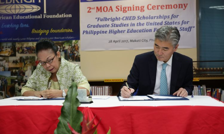 Ambassador Sung Kim Renews Agreement with the Commission on Higher Education