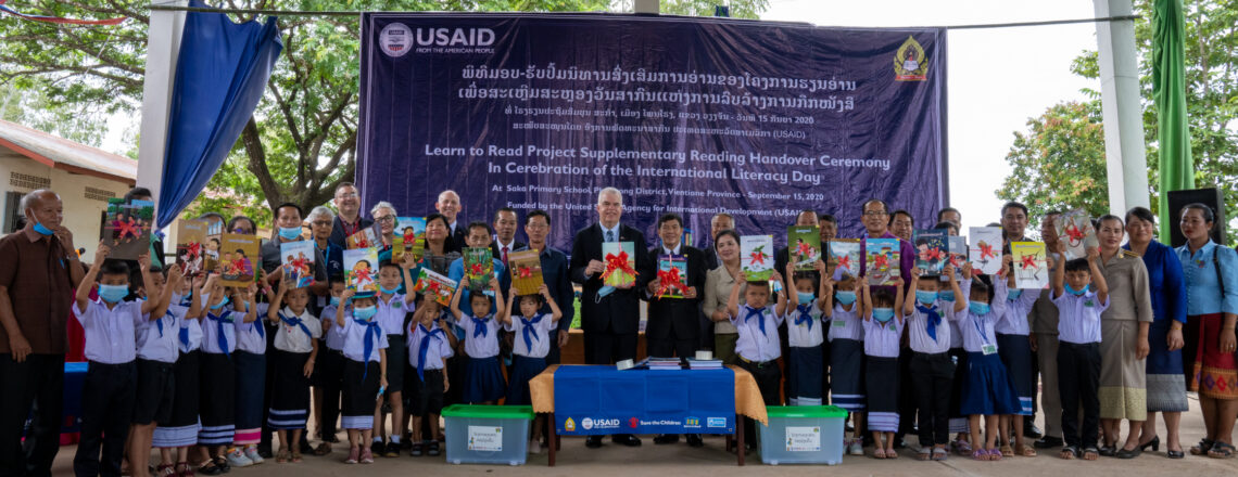 United States Hands Over Supplementary Reading Books to the Ministry of Education and Spor
