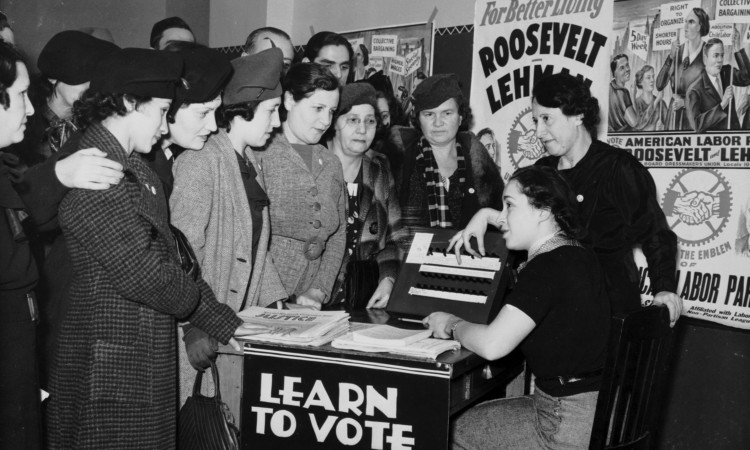 women voting