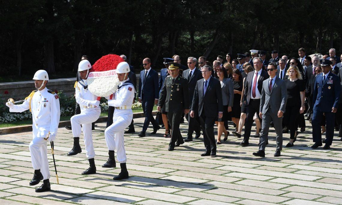 Büyükelçi David M. Satterfield, Anıtkabir'i ziyaret etti