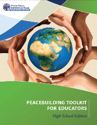Forsiden på Peacebuilding Toolkit for gymnsasieelever. Photo: USIP