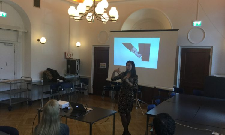 Elmira Bayrasli talking to students at Niels Brock Business School in Copenhagen. Photo: State Dept.